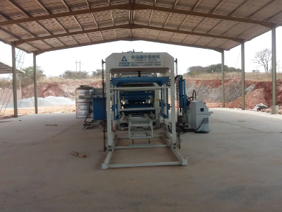 QT10-15 Block Machine in Zambia